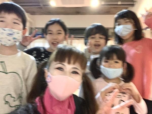スタジオダンスムーヴ   キッズダンス・キッズバレエ 3歳〜 豊かな心 と 感情表現を!中野区 野方 ダンスムーヴ